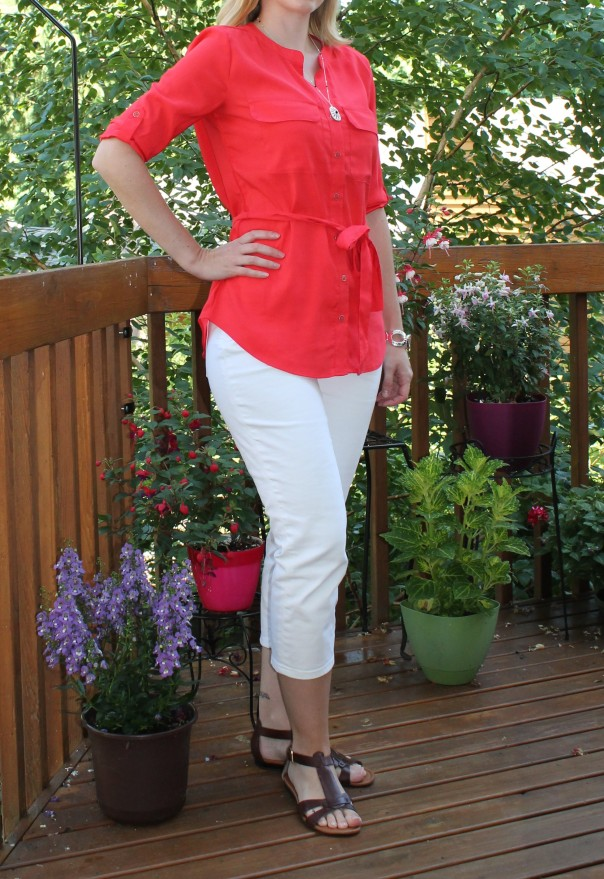 White jean capris and red blouse