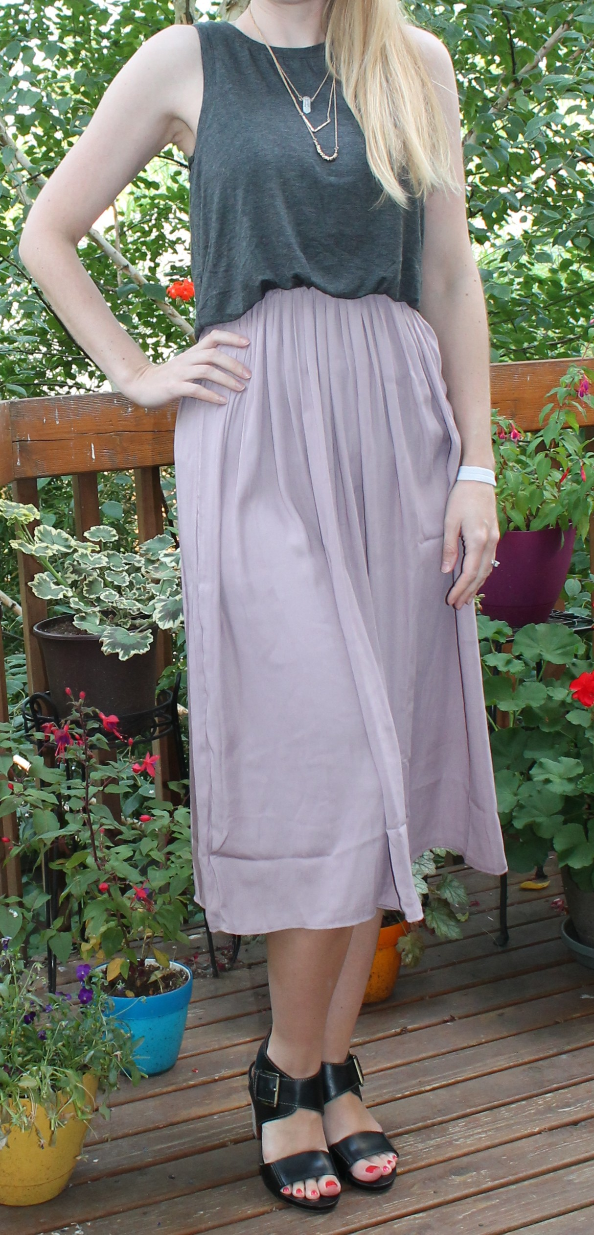 6ea1c68af9 Loft Midi Dress